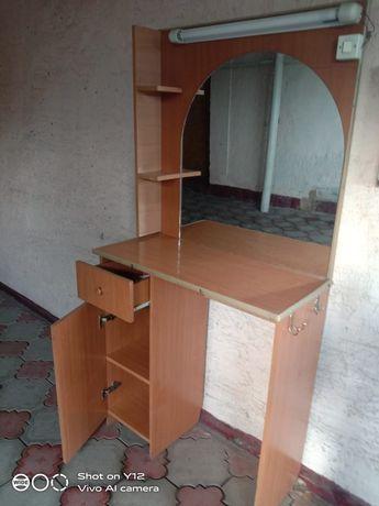Парикмахеркие столы