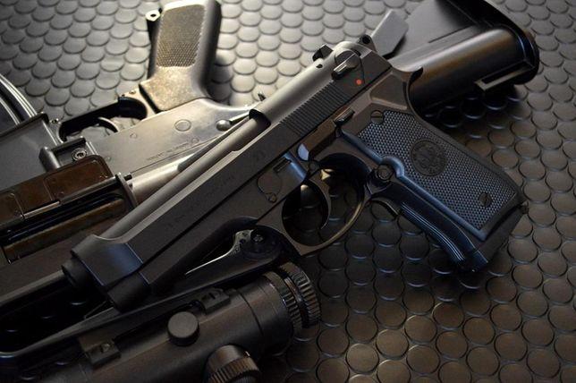 PUTERE EXTREMA-Pistol Airsoft Beretta/Taurus METAL F.Puternic Co2 4.5j