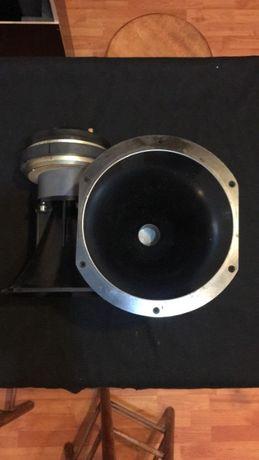 Inalte Meyer Sound UM-1P