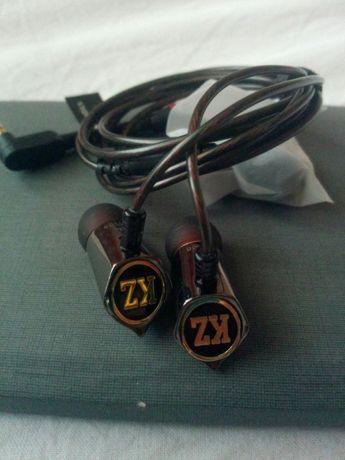 Продавам супер качествени слушалки ED8