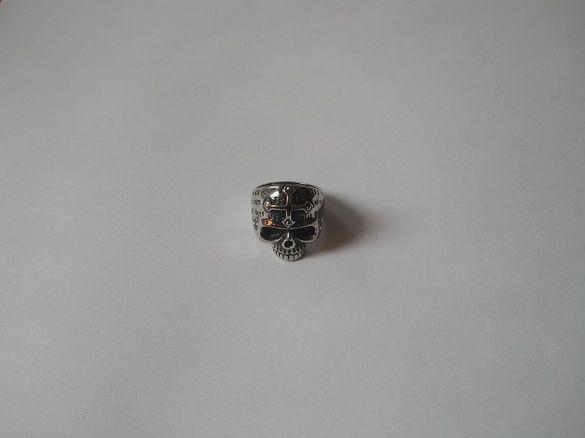 Стоманен пръстен с череп и кръст