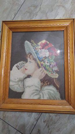 Момиче с шапка