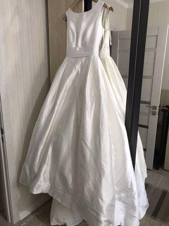 Свадебное платье и накидки
