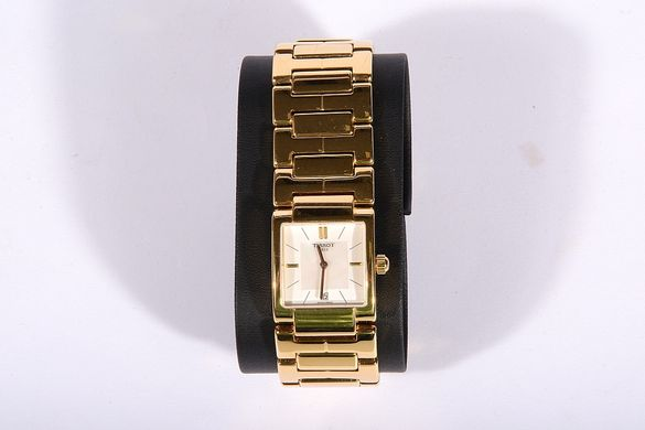 Дамски часовник Tissot T-Trend Mother of Pearl Dial Gold PVD