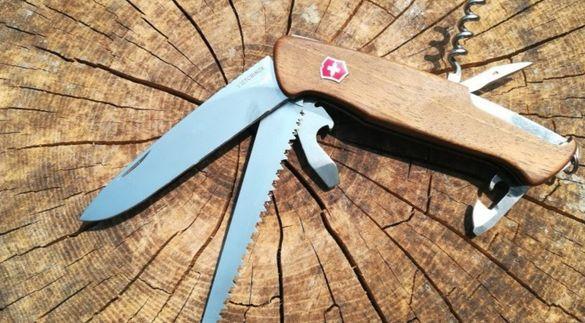 Джобен нож Victorinox RangerWood 55 , включена доставка