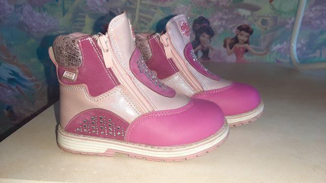 Продам детскую обувь осень- весна
