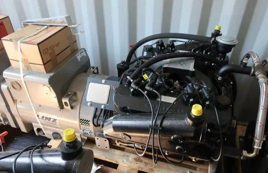 Generator pe gaz si GPL,fără perii, trifazate, cu 4 poli, cu regulator