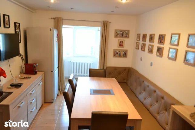 Apartament 3 camere ultrafinisat, Victor Deleu