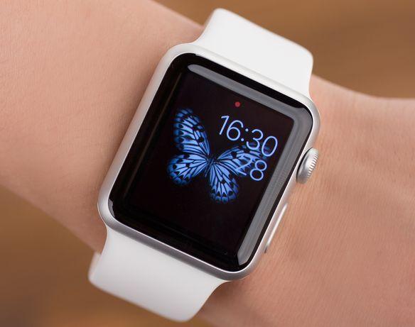 Apple watch SE 44 mm с зарядкой в отличном состоянии