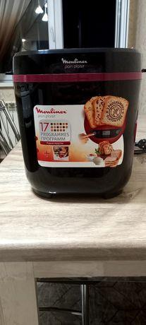 Хлебопечка Moulinex.  Использовали 3 раза, в очень хорошем состоянии.