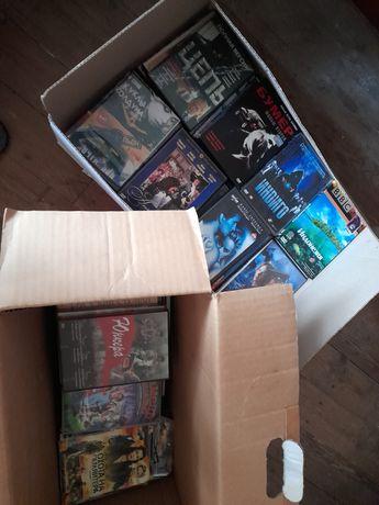 Коллекция DVD дисков с фильмами + телевизор Toshiba бонус