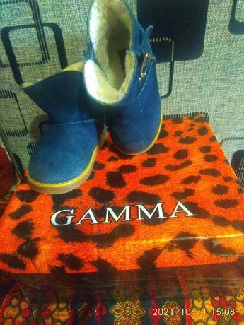 Продам обувь натуральных мех 8000тг