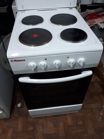 Электрическая плита фирма  HANSA  германия 50×60×85