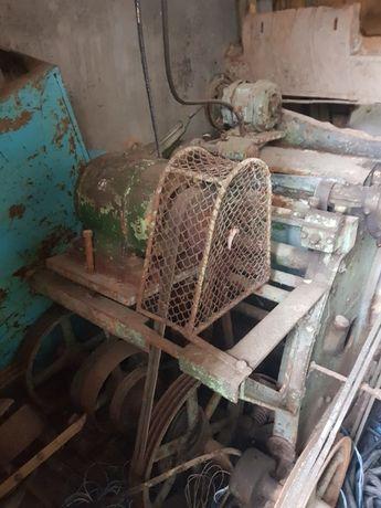 masina de subtiat piei TURNER