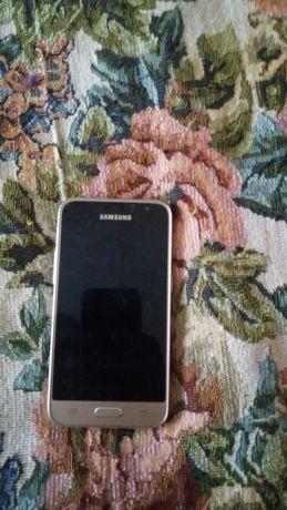 Продам телефон в хорошем состоянии, крышка и батарея съёмные.