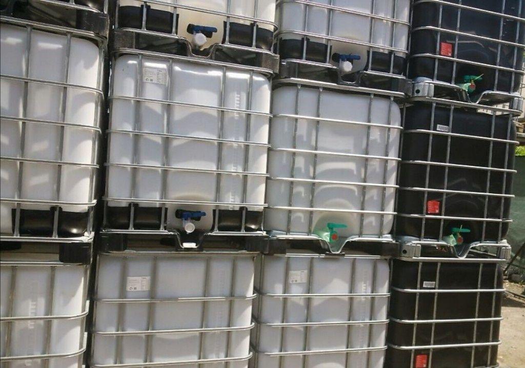 Бидони 1 тон цистерни 1000л контейнери бели и червени
