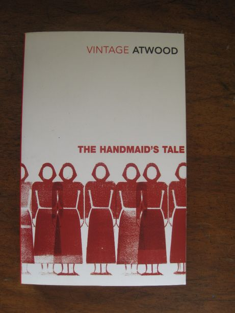 The Handmaid's Tale by Margaret Atwood - Engleza