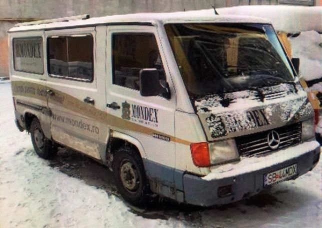 Dezmembrez Mercedes MB 100D
