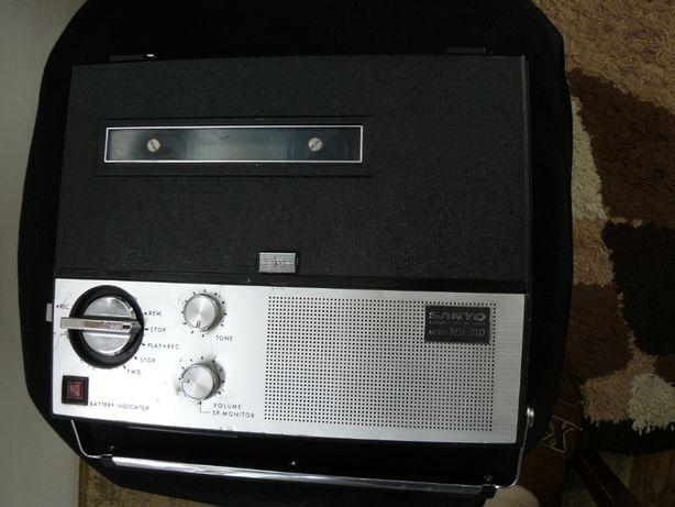 Magnetofon Sanyo Portabil Vintage (Akai Teac