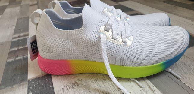 Adidasi Skechers nr 41 noi cu eticheta