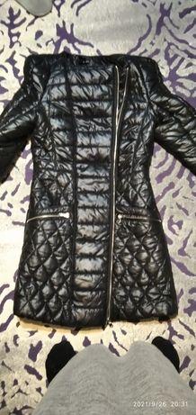 Женская куртка на стройную девушку