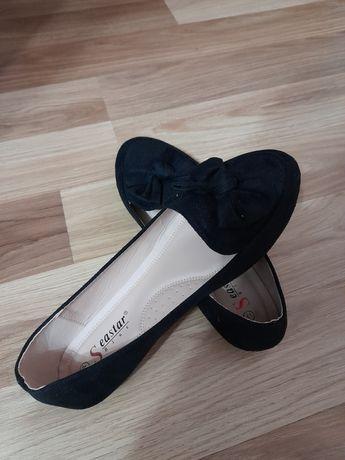 Дамски обувки с панделка