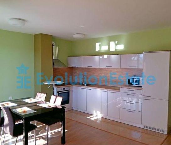Тристаен апартамент в сърцето на Варна