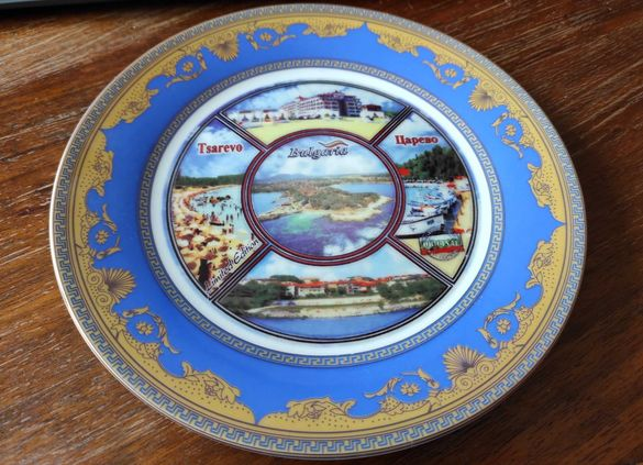Сувенири красиви декоративни чинии