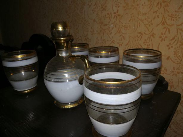 Set foarte vechi 5 pahare cu sticla. In sticla transparenta si mata