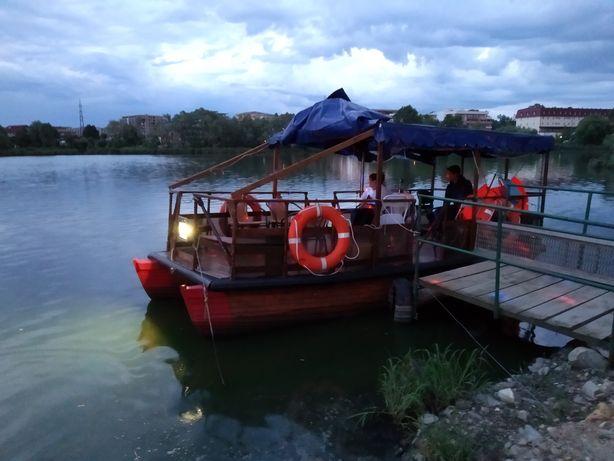 Vând catamaran