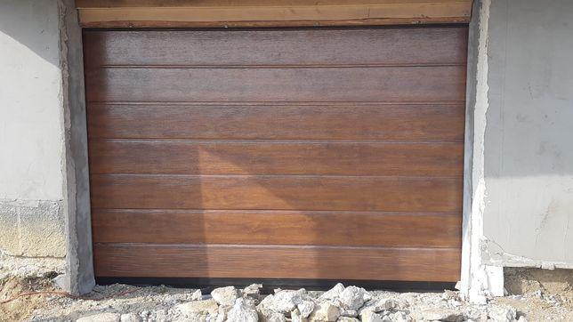 Usa de garaj 2500x2300 imitatie de lemn (Nuc)