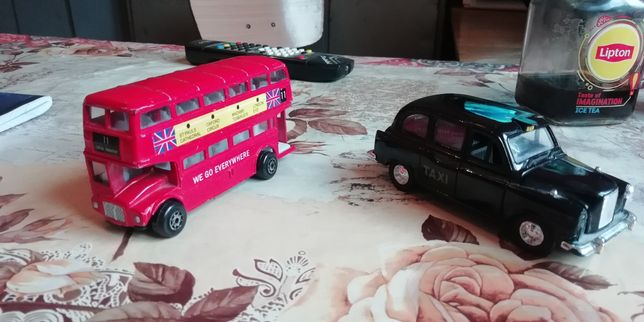 masinute autobuzul englezesc si taxiul tot englezesc