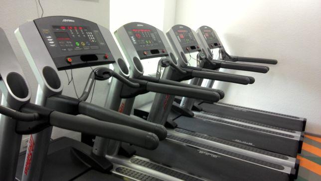 Профессиональные беговые дорожки Life Fitness для залов и дома
