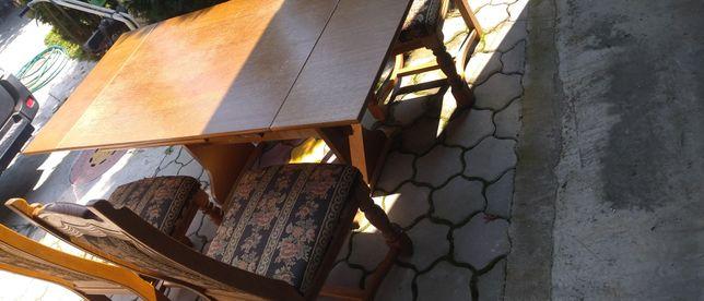 Masă cu scaune lemn masiv
