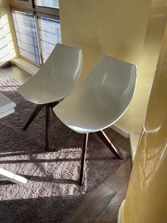 Два стола за трапезария