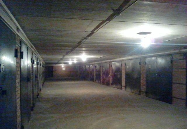 Продам гараж подземный между Естая 134/1 и Естая 134/2