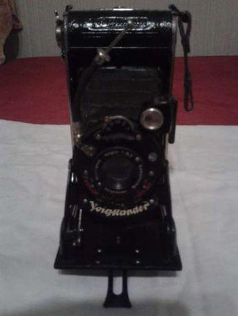 Продавам стар фотоапарат Voigtländer.