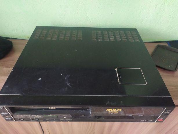 Видеомагнитофон продаётся видеомагнитофон