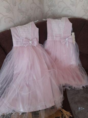 Продам 2 платья производство Турция