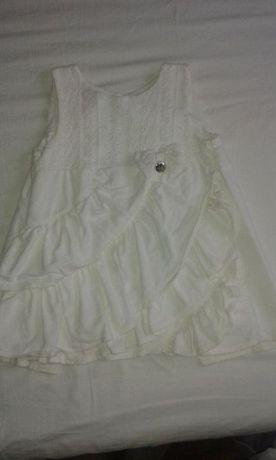Бяла сукманче/ рокличка за момиченце с воланчета