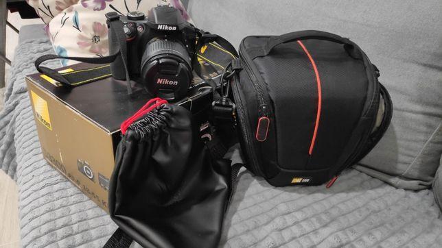 Продам зеркальный фотоаппарат Nikon D3300
