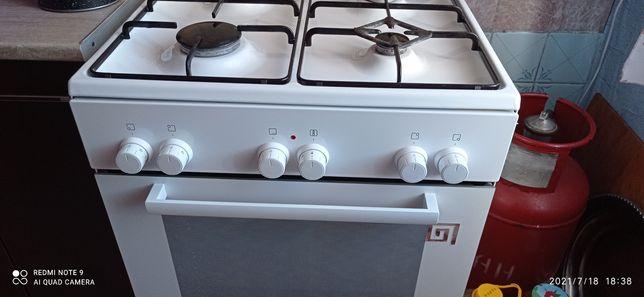 Продам газовую плиту Bosh духовка электрическая с вентилятором.