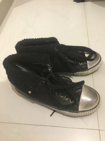 Дамски обувки номер 36