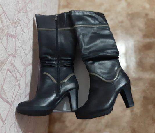 Продам зимние кожаные сапоги!!