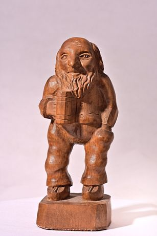 Vintage.Berar. Statueta sculpata in lemn