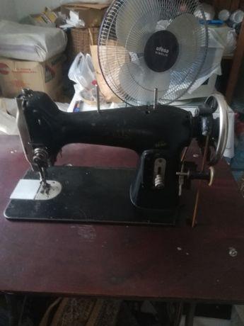 Mașina de cusut Mundlos originală