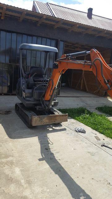 Lucrari cu miniexcavator și buldoexcavator