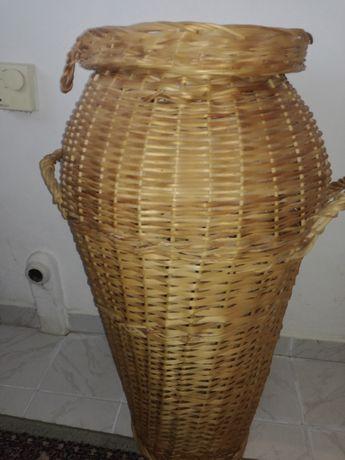 Плетен кош за пране