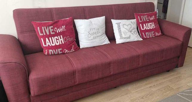 Vand canapea extensibila rosie cu 3 locuri, lada si 2 perne cadou