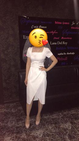 Платье женское, белое